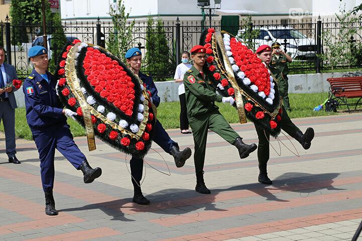 В Армавире возложили цветы к памятникам, фото-1