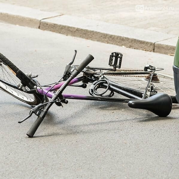 Ребенок на велосипеде попал в ДТП в Армавире, фото-1