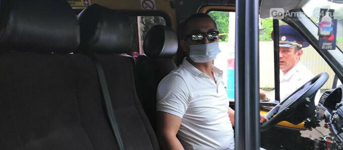 В Армавире водители 12 раз за неделю нарушили масочный режим, фото-1