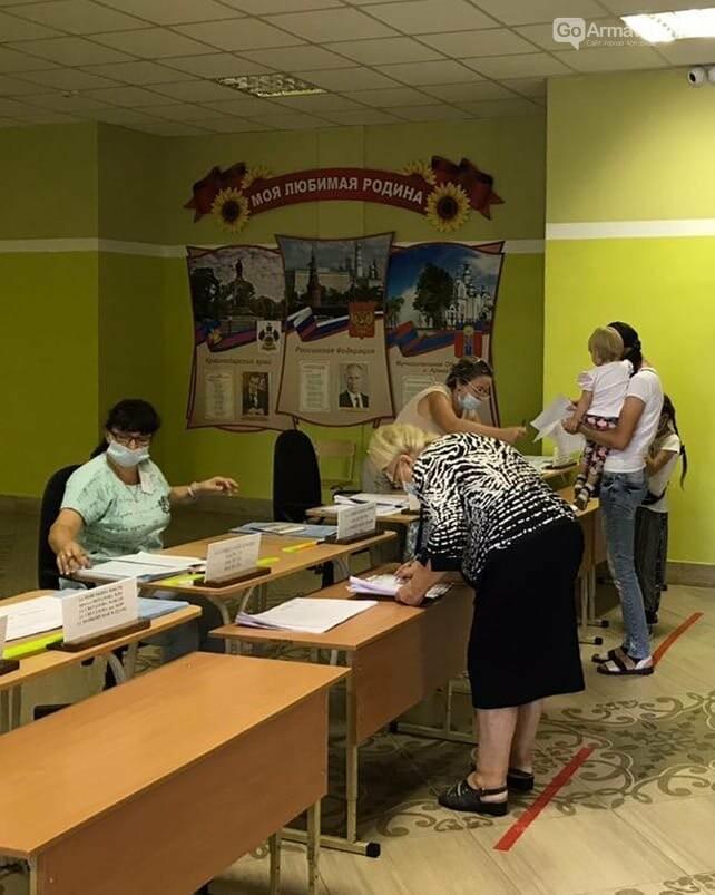 В Армавире проходит голосование на 73 избирательных участках, фото-1