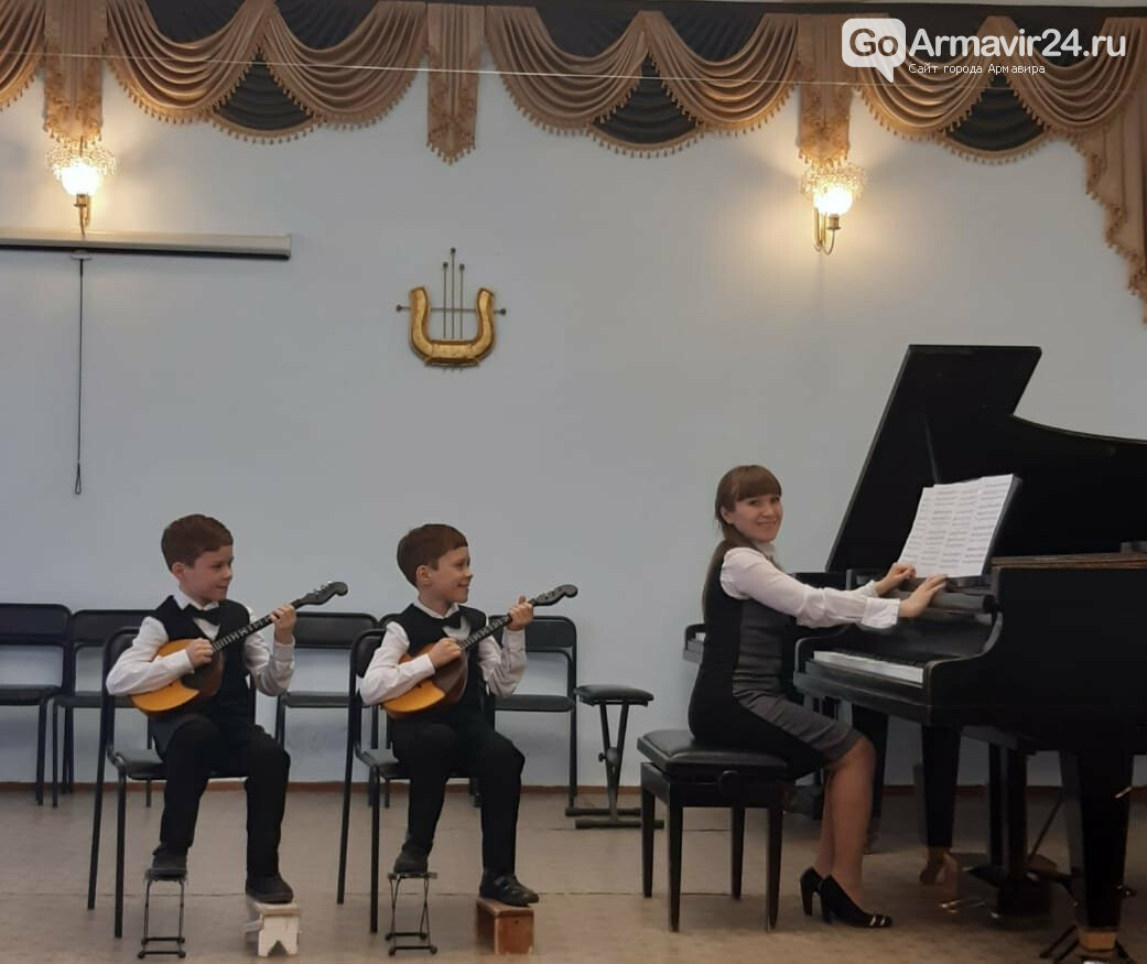 Музыкальная школа Армавира почти на 4 млн получила новых инструментов, фото-1