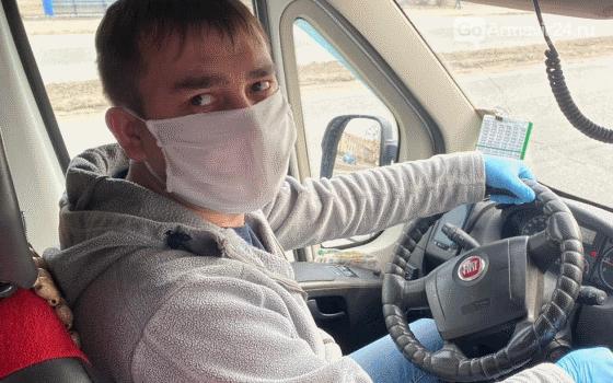 Масочный режим нарушили 20 водителей автобусов в Армавире, фото-1