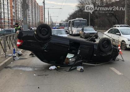 Армавирский лихач попал в серьёзное ДТП в Краснодаре, фото-1