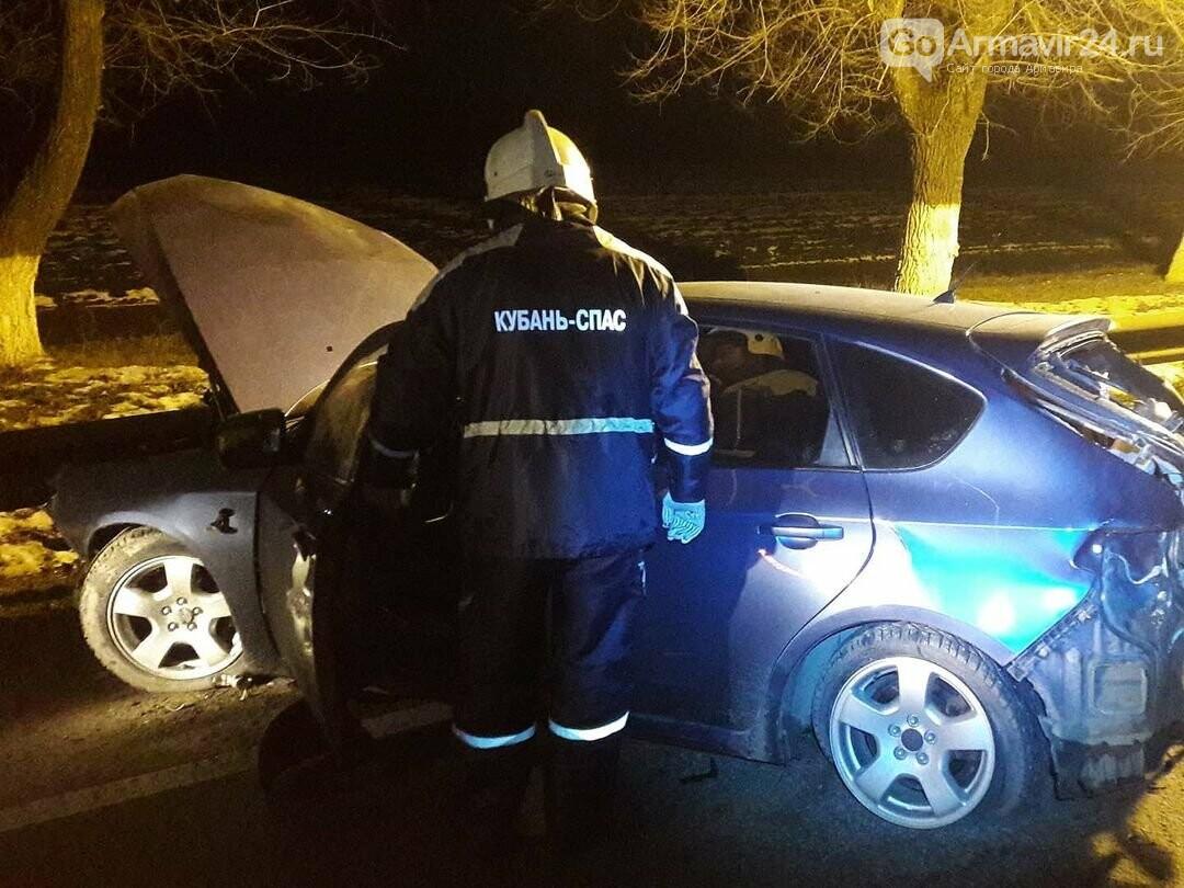 Под Армавиром в серьезном ДТП спасатели отряда «Кубань-СПАС» спасли женщину-водителя, фото-3