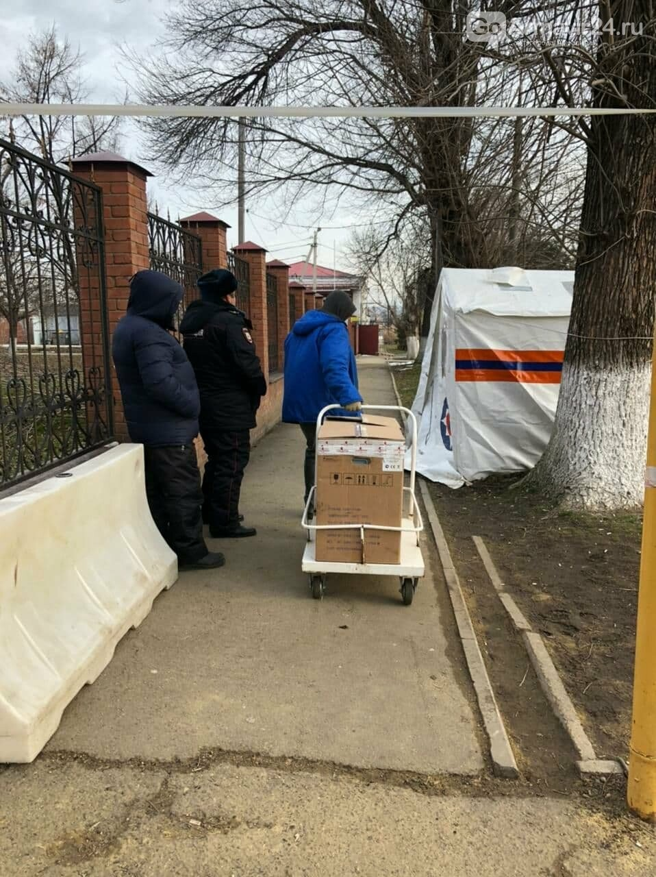 В Армавире необходимое оборудование для инфекционной больницы приобрел председатель СМД Штаничев, фото-3