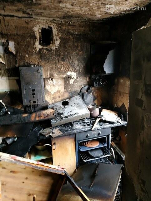 Из-за пожара в одой из квартир Армавира  в 5-этажке эвакуировали 170 человек, фото-3
