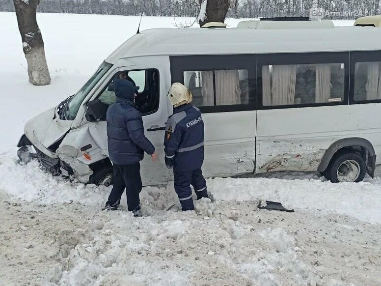 "Жестокая авария произошла утром 8 февраля на трассе ФАД ""Кавказ"" под Армавиром, фото-4"