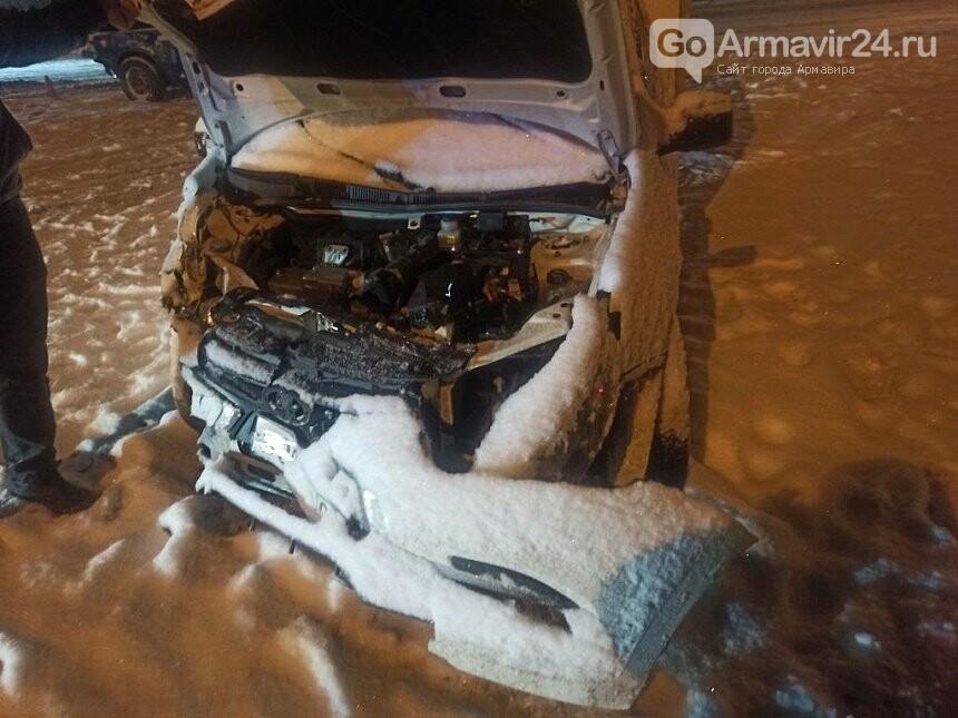 Под Армавиром на трассе произошло ДТП с пострадавшими, фото-1