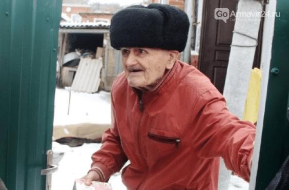 Бесчеловечный грабитель обокрал 101-летнего ветерана ВОВ в Кропоткине, фото-1