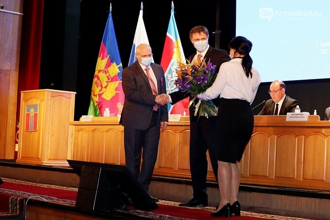 Мэру Армавира Андрею Харченко вице-губернатор Кубани вручил медаль, фото-1