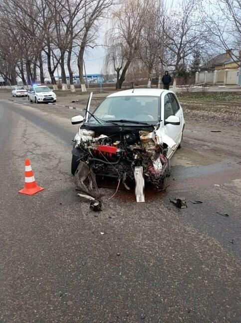 ДТП с пострадавшими произошло 10 марта в поселке Заветном, фото-1